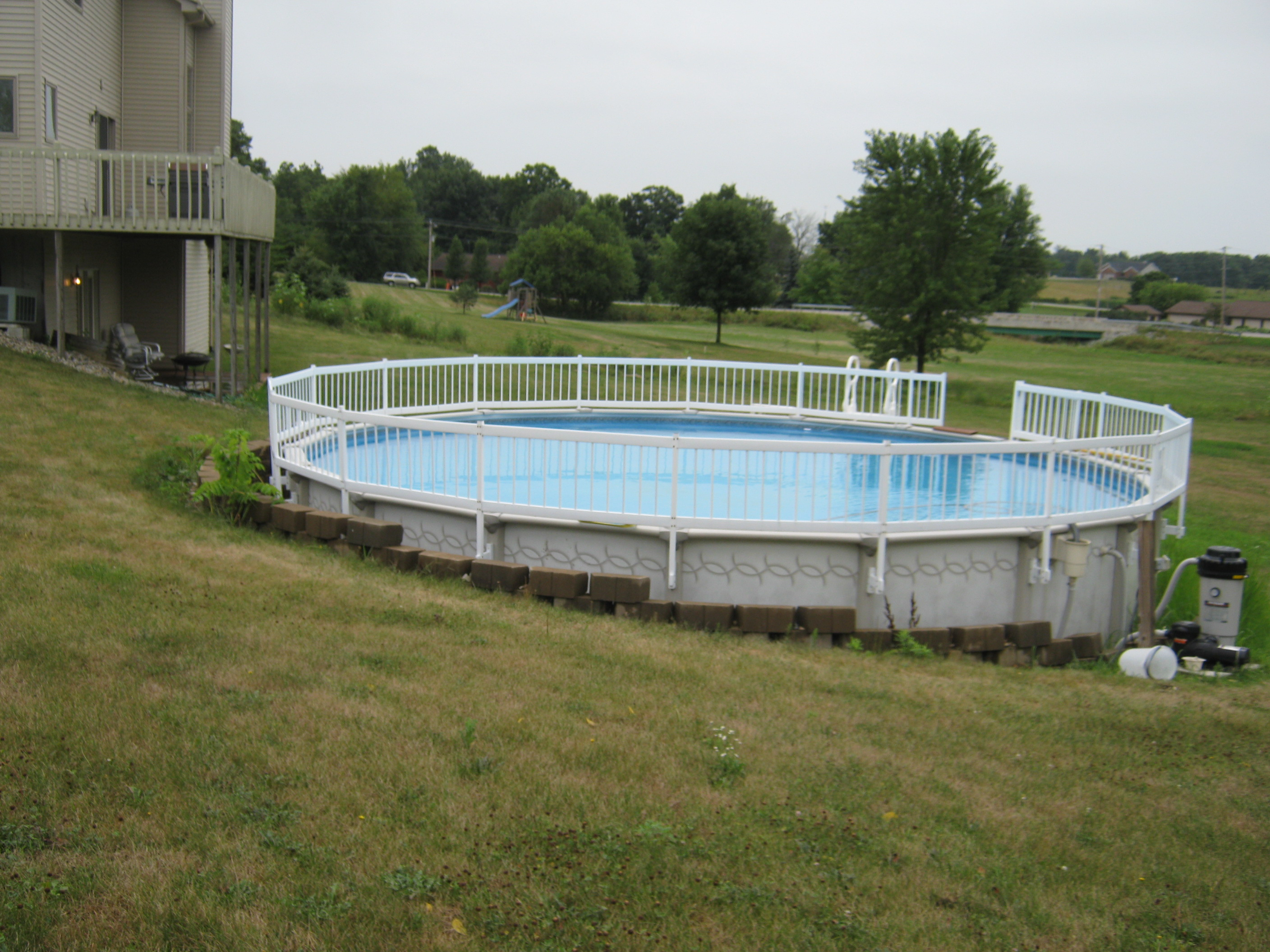 Columbia City house now connected to pool with new decks