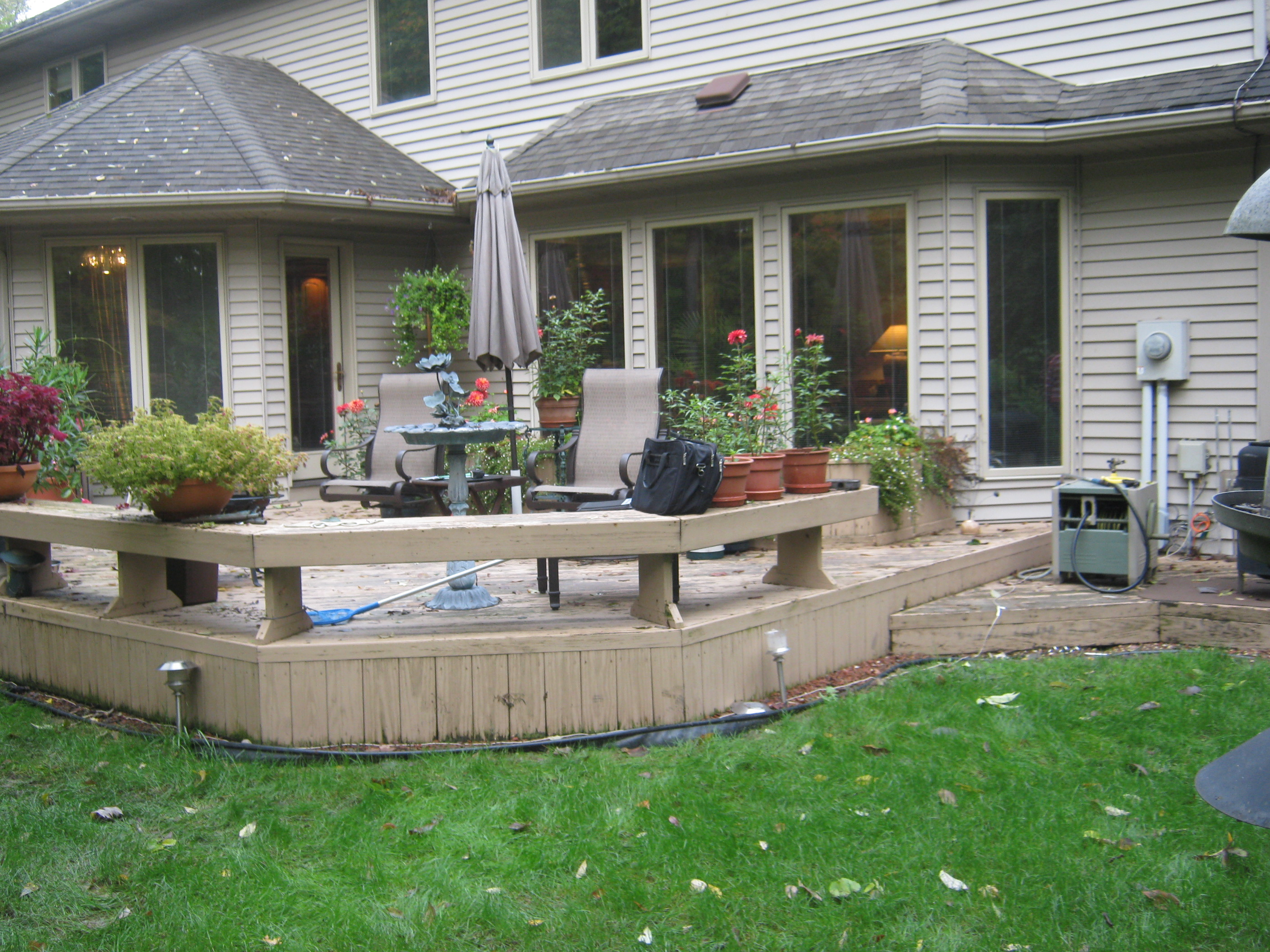 These fort wayne homeowners get new deck and patio for Best timber for decking