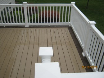 Beautiful AZEK XLM deck in Fort Wayne
