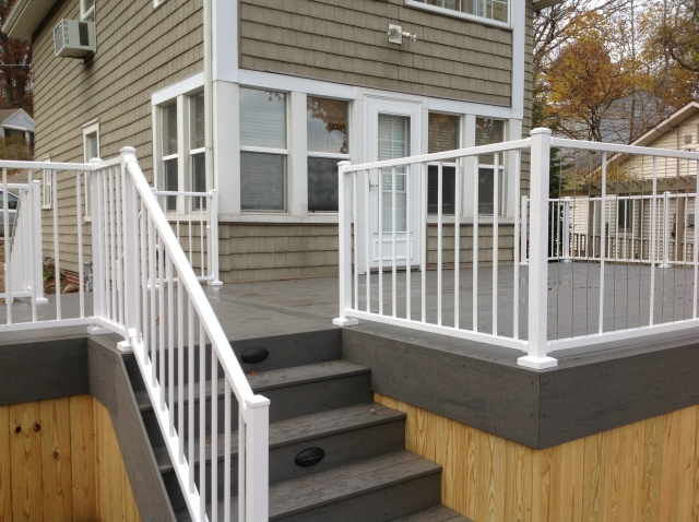 Beautiful deck built on Crooked Lake by Archadeck of Fort Wayne IN